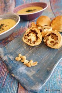 Thai Erdnuss Suppe mit asiatischer Laugenpraline 3